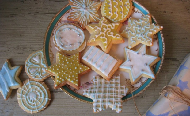 Pretty iced biscuits